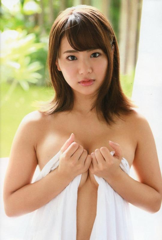 元AKB48平嶋夏海ちゃんがセミヌードを披露!むちむちしたカラダがセクシーだと話題!