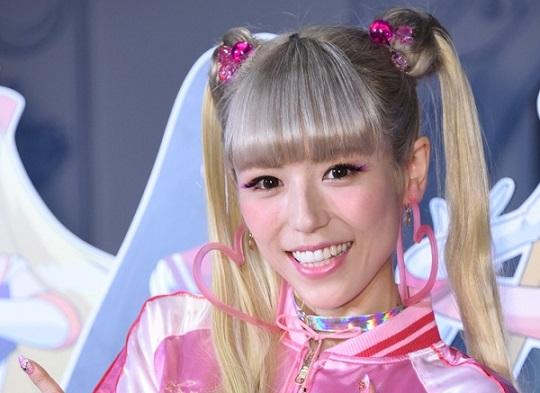 芸能界に本格復帰を果たした若槻千夏さんのツインテール姿が若々しくて可愛いと話題