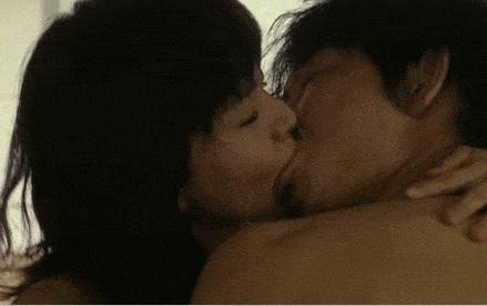 多部未華子ちゃんの濃厚キス濡れ場シーンがエロすぎると話題!映画「ピース オブ ケイク」で熱演!GIF動画あり