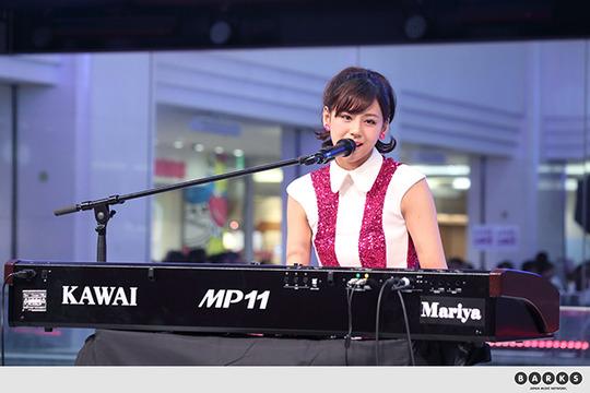 女優やモデルそしてシンガーソングライターとしてトップをひた走る西内まりやちゃんがアイドル界に進出!可愛すぎると話題!