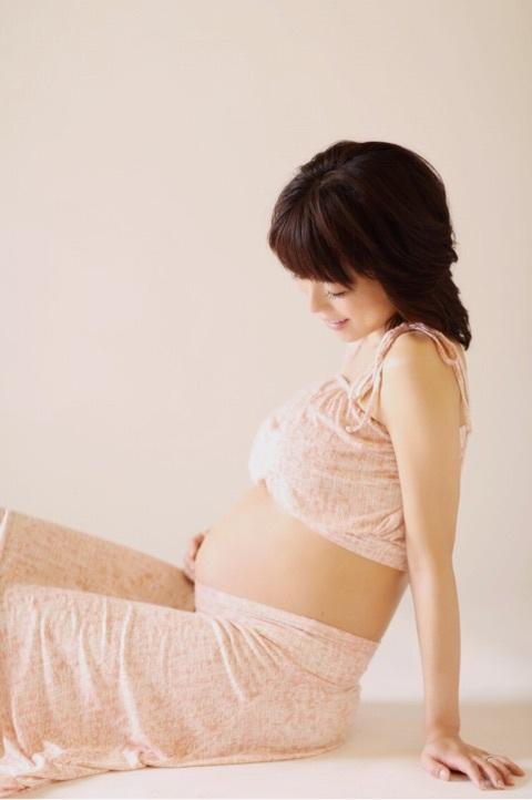 釈由美子さんの出産前の妊娠姿がセクシーだと話題!