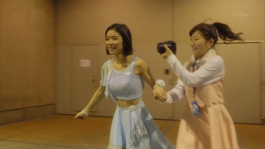 松岡茉優ちゃんの腹筋が割れてて美しすぎる!締りがすごい!