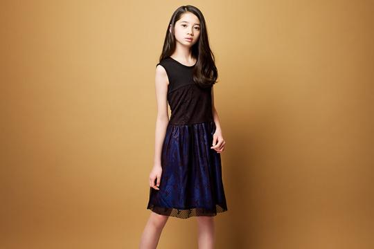 いま最も注目されている若手女優・桜田ひよりちゃん(13)の初々しい水着姿が可愛いと話題!