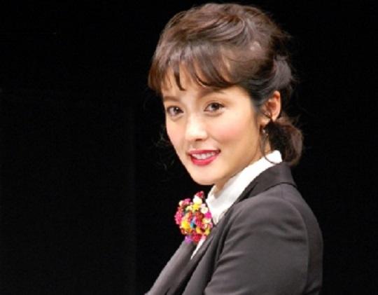 平山あやちゃん(32)の最新画像が美しすぎると話題!全然美貌が衰えてない!