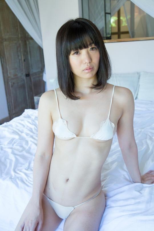 お笑いコンビ「ばーん」高田千尋ちゃんのセミヌードグラビアがエロすぎると話題!