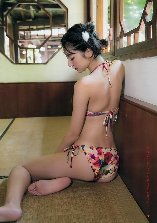 武田玲奈ちゃんの最新水着グラビアがスレンダー巨乳でエロすぎて抜けると話題に!