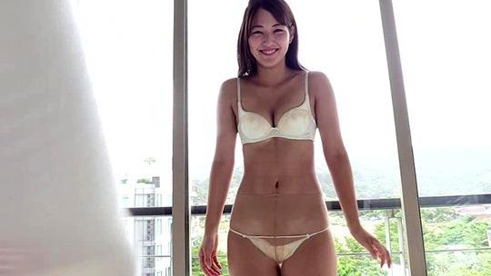 現役女子大生グラドル原あや香ちゃんのイメージビデオがスタイル抜群でセクシーすぎると話題