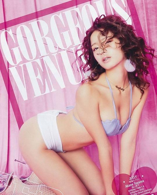 JELLY専属モデル遠山茜子ちゃんの水着グラビアがセクシーすぎると話題!