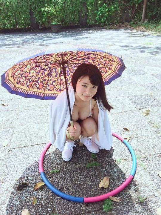 Hカップ星名美津紀ちゃんがツイッターにアップした水着姿がエロすぎると話題に!