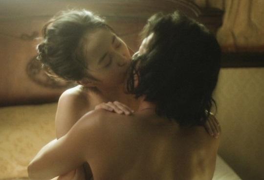 人気声優・小宮有紗ちゃんの濡れ場がエロすぎると話題!対面座位で濃厚なキス!