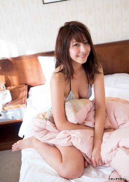 今田耕司が大絶賛するモデル本郷杏奈ちゃんのタオル一枚入浴ショットがエロすぎると話題に