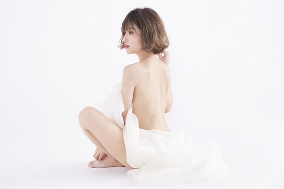 くみっきーこと舟山久美子ちゃんのセミヌードが美しすぎる!
