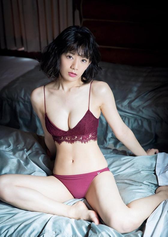 新くびれ女王・佐藤美希ちゃんの56cmウエストが美しすぎると話題に!