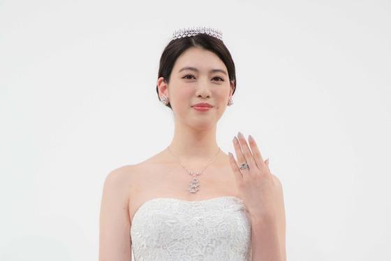 三吉彩花ちゃん(21)のウエディングドレス姿が美しすぎると話題!純白の処女女優!