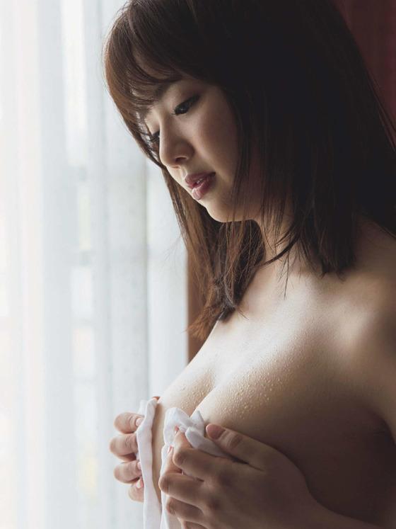 平嶋夏海ちゃんのデカすぎるお尻で顔面騎乗窒息死したいと話題に