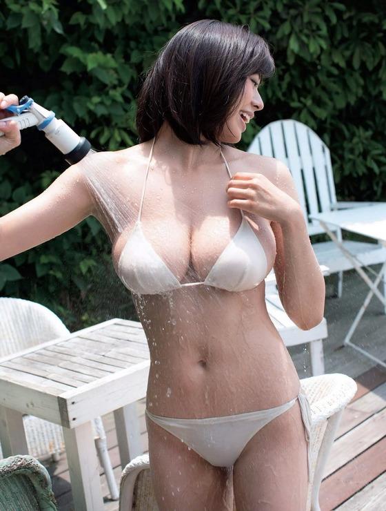 現役女子大生グラドルわちみなみちゃんのHカップバスト全開の最新水着グラビアがエロすぎる