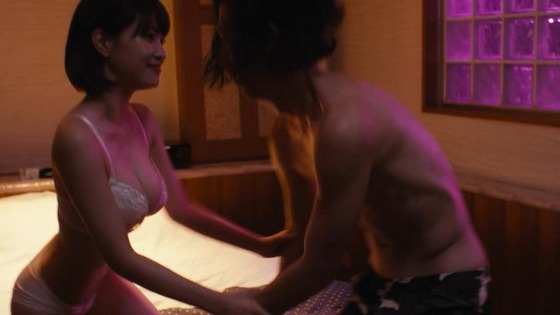 岸明日香ちゃんがドラマで下着姿になって自慢のGカップを披露!
