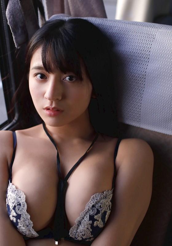 Gカップ女優・徳江かなちゃんがおっぱい全開の1stイメージビデオをリリース!