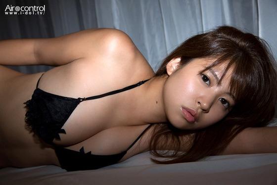 元プロ野球投手・西崎幸広ちゃんの娘・西崎莉麻ちゃんの水着姿がエッチすぎると話題に