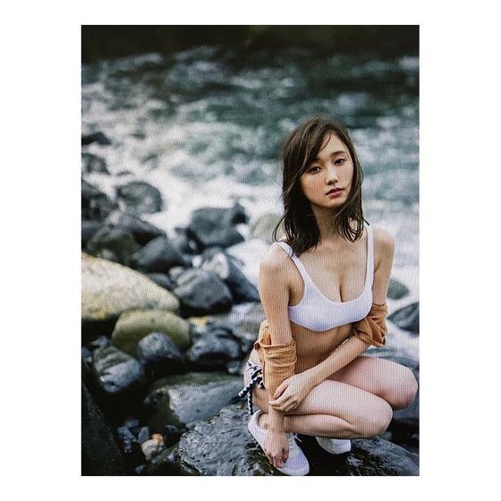 non-noの看板モデル・鈴木友菜ちゃんの水着グラビアがエッチすぎると話題に